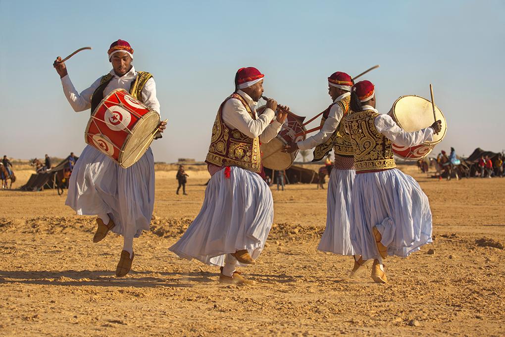 Фестиваль пустыне в Дузе, Тунис.