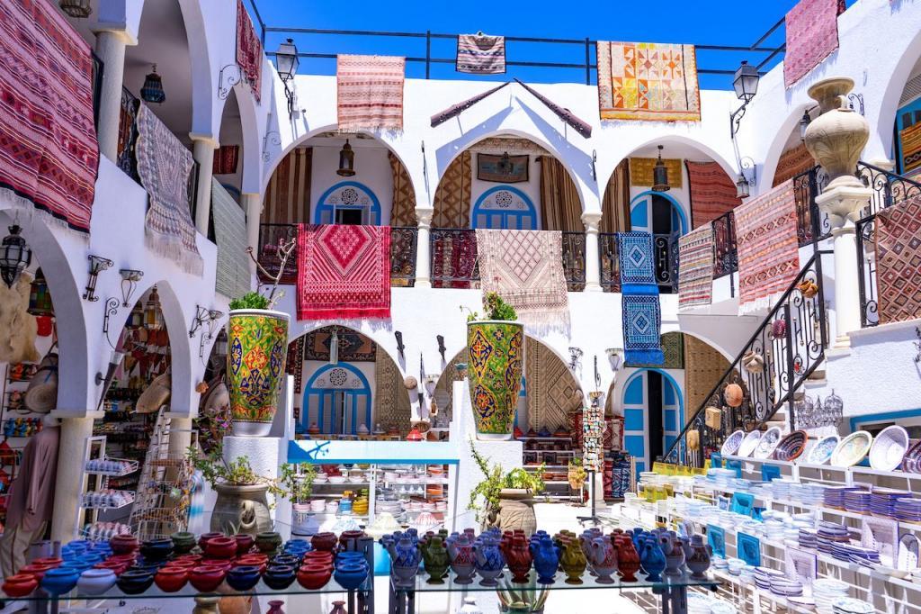 Город Хумт-Сук - столица острова Джерба
